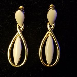 Vintage Trifari goldtone enamel pierced earrings